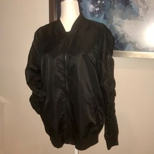 Mens Size Medium Black Nylon Bomber Jacket